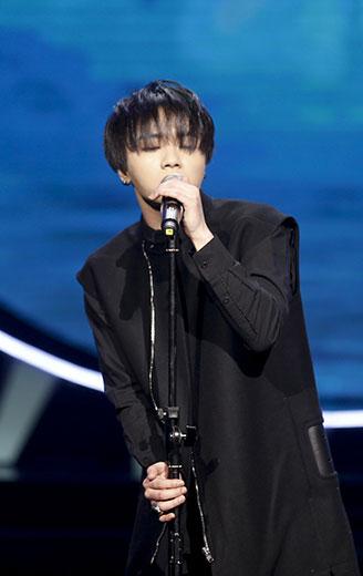 最受欢迎歌手华晨宇献唱