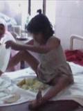 小女孩裸体与猴子同住  用四肢行走不会说话-搞笑-高清正版视频在线观看–爱奇艺