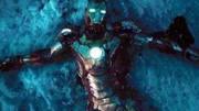 復聯4:為何鋼鐵俠戴手套,驚奇隊長和雷神卻不戴?劇中早已說明